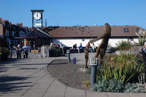 140921-Rhos-on-Sea-gardens