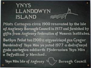 2012-15-9-tmgnw-Llanddwyn Island-Pilots cottage 2