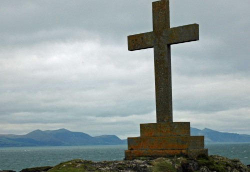 The memorial cross