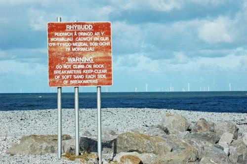 151007TGNW-Penrhyn Bay-Breakwater & sign