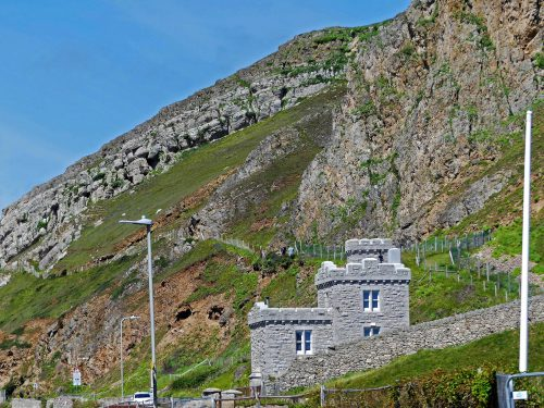 160714-Gt Orme 3-West Beach-Cliff face & toll house