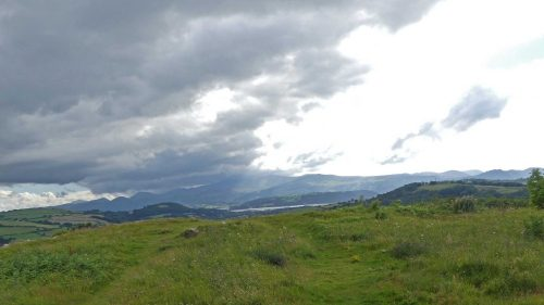 160805-Bryn Euryn (101)-Incoming weather