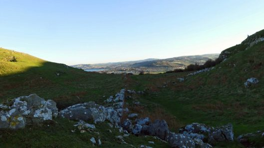 170120-lo-113-stone-wall-view-from-top-of-orme-1
